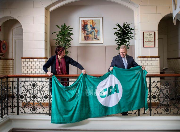 Ruth Peetoom en Rutger Ploum, de gaande en komende voorzitter van het CDA. Beeld Werry Crone