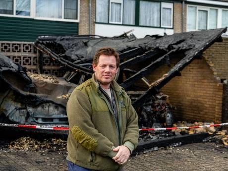 Albert moest zijn huis uitvluchten na vuurzee door autobranden in Zeist: 'Vlammen sloegen uit het dak'