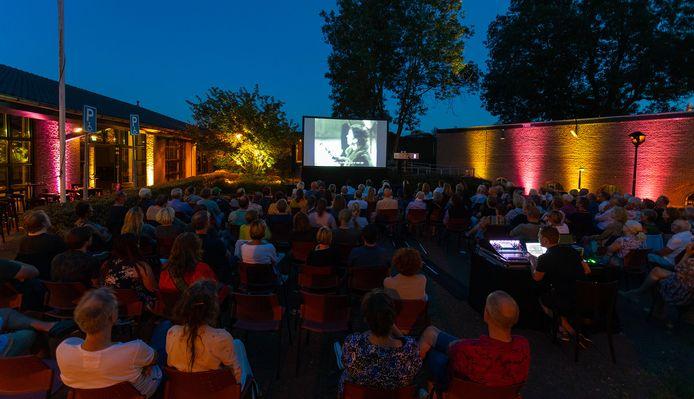 Zomer 2019: de Buitenbios van het Internationaal Film Festival Gorinchem. Ook deze zou dit jaar, in een kleiner formaat, kunnen plaatsvinden, zo hoopt directeur Anika van der Kevie.
