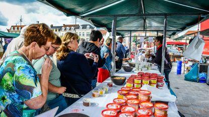IN BEELD. 25.000 bezoekers genieten van de Kaasmarkt