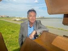 Wethouder Frank Deij steunt volkskunstwerk Sas