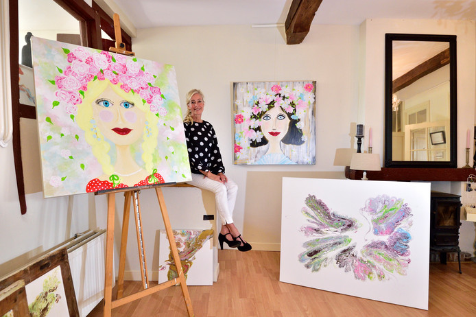 Katja van den Nieuwendijk begon een galerie in haar historische woning in Oudewater.