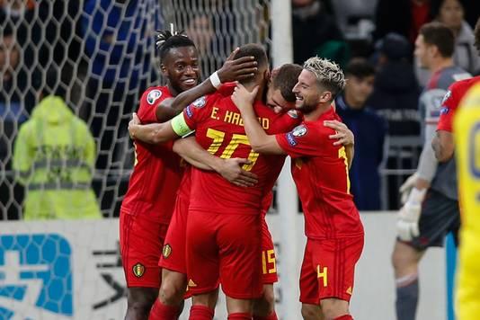 Meunier en Hazard zijn het middelpunt van de feestvreugde na de 0-2.