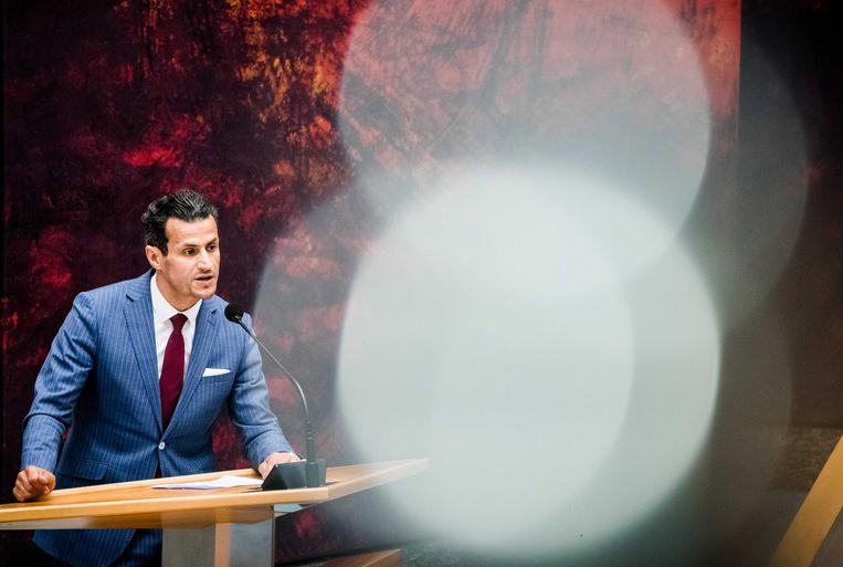 Farid Azarkan (Denk) tijdens een debat in de Tweede Kamer over de ontwikkelingen rondom het coronavirus. Beeld ANP