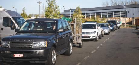 """Bijna twee uur schuiven aan Gentse containerparken: """"Deze drukte is ongezien"""""""