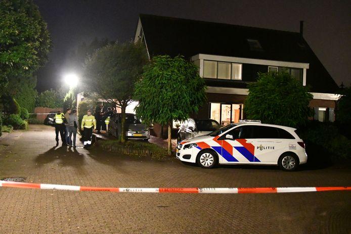 In een woning aan de Magnolialaan in Ermelo werd woensdag een lichaam gevonden