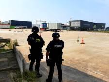 Politie en douane zoeken naar drugs op Panamees schip in Vlissingse haven