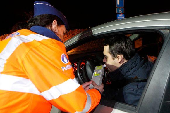 Politie Demerdal-DSZ betrapte zondag drie bestuurders zonder rijbewijs die onder invloed waren