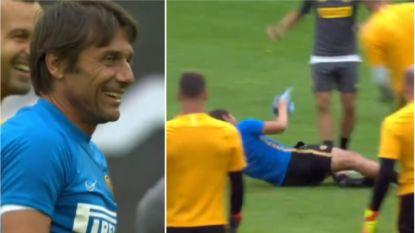 """Hilariteit nadat coach Conte zijn troepen op scherp zet met stevige tackle, Leverkusen vreest Lukaku: """"Hij is geweldig"""""""