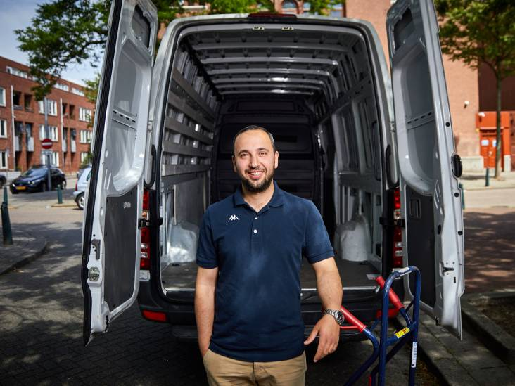 Pakketbezorger Abdulraouf Alkhatib: 'Het leven laat zich niet plannen'