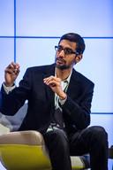Pichai werd eerder ook het hof gemaakt door Twitter en Microsoft. Voor Google-oprichter Larry Page en Sergei Brin was hij dé kandidaat voor hun belangrijkste onderdeel toen zij hun bedrijf onder de paraplu van Alphabet brachten.