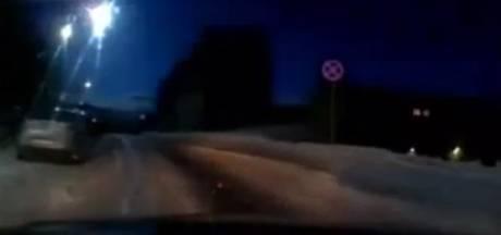 Vermoedelijke meteoriet licht hemel boven Moermansk op