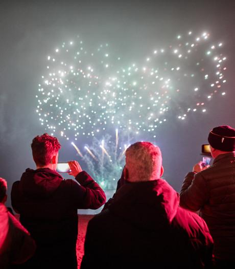 Burgemeester positief over vuurwerkshow Veenendaal, maar wie betaalt dat?