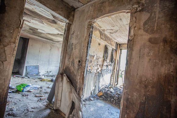 De vlammenzee verteerde de volledige inboedel van het appartement.