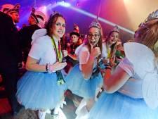 'Brabants' carnaval in Bentelo slaat aan: 'Alsof we dit al jaren doen'