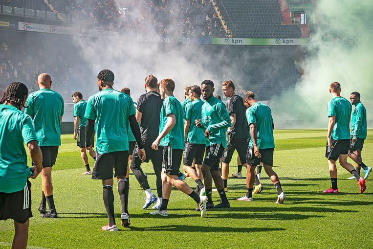 De eerste training in de Kuip voor Feyenoord. Beeld Guus Dubbelman / de Volkskrant
