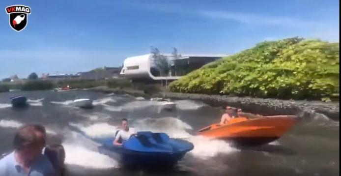 Videostill van snelle bootjes die door de Westlandse wateren zoeven.