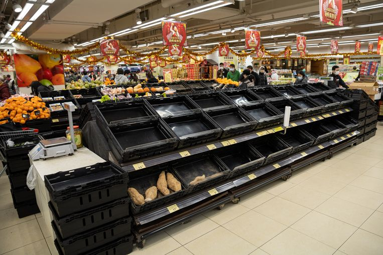In de supermarkten in Wuhan zijn zo goed als alle verse groenten uitverkocht