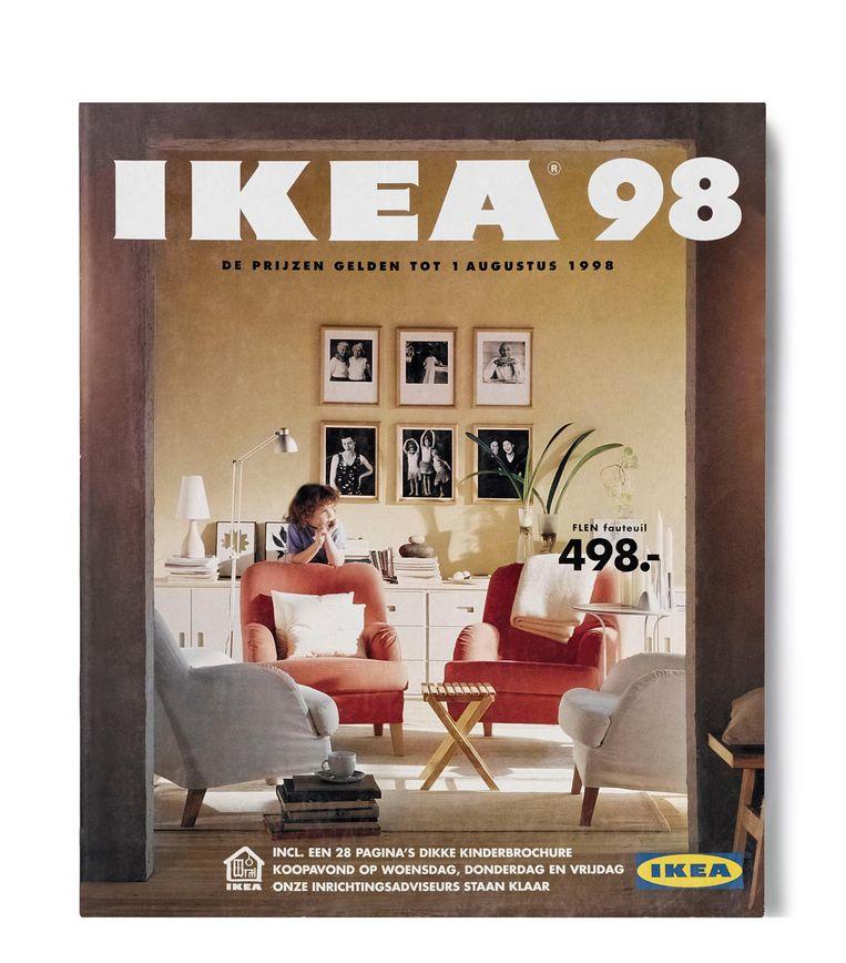 de ikea cover van 1998 toonde voor het eerst een mens in plaats van enkel meubels beeld - Fauteuil Rond Ikea