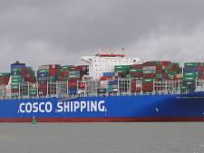 Containergigant Cosco Universe rond middaguur bij Vlissingen verwacht