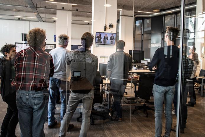 De redactie van De Gelderlander vorige week donderdag 12 maart, de dag waarop premier Rutte aankondigde dat er ingrijpende maatregelen in het openbare leven nodig waren om een verdere corona-uitbraak in Nederland te voorkomen.