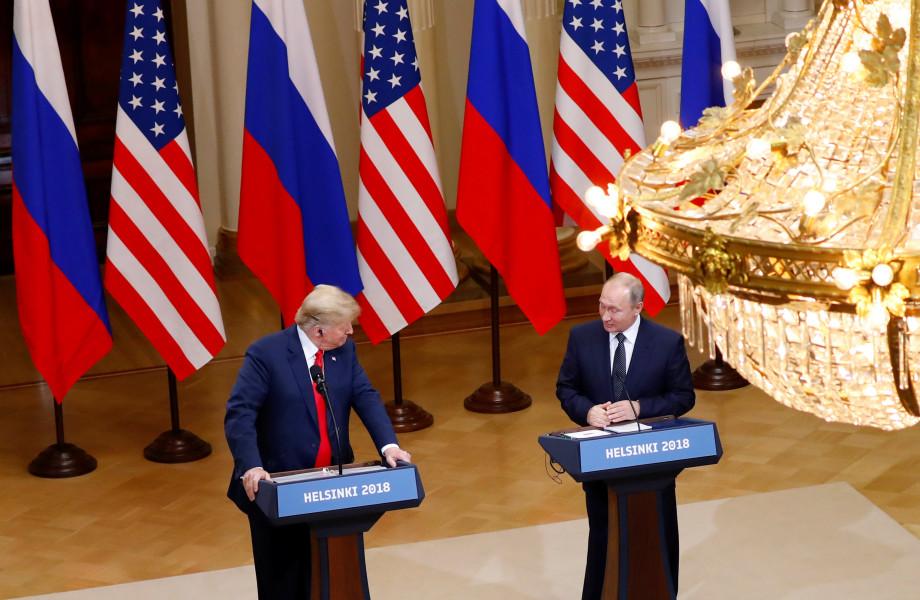 **Trump en Poetin ontkennen Russische inmenging verkiezingen VS**