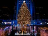 Kijk hier naar het verlichten van de kerstboom in New York bij het Rockefeller Center