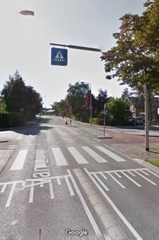 Jongen (10) gewond na aanrijding, automobilist rijdt door