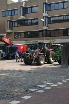 Boze boeren doen in Helmond aangifte tegen landbouwminister