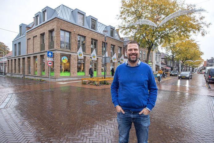 'Stadsboer' Remco Sluiter opent zijn nieuwe winkel op de Thomas a Kempisstraat.