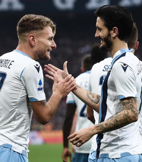 La Lazio de Rome, victorieuse au Genoa, reste dans le sillage de la Juventus
