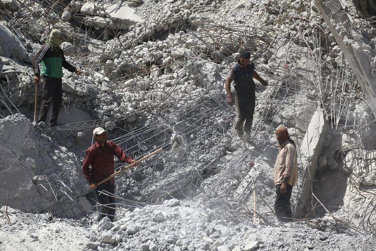 Een gebouw in puin in Raqqa.