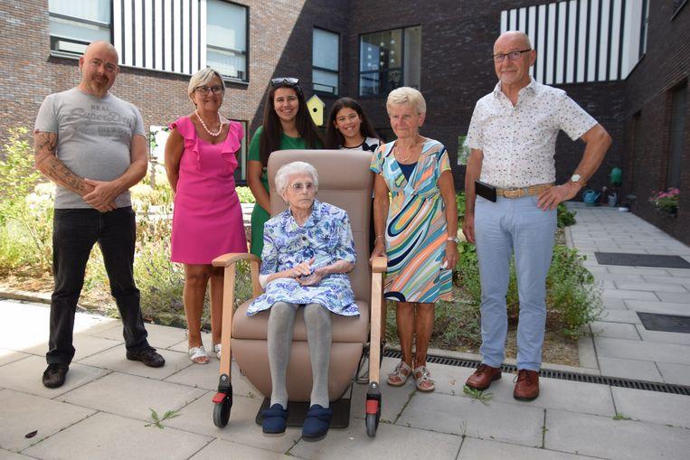 Maria De Vuyst vierde met haar familie haar 103de verjaardag in WZC Markizaat in Lede.