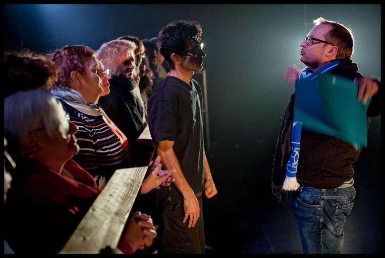 Het Gevolg betrekt maatschappelijk kwetsbare mensen bij theater, door hen te laten deelnemen als acteur