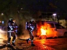 Weer is het raak: 49e autobrand dit jaar in Enschede