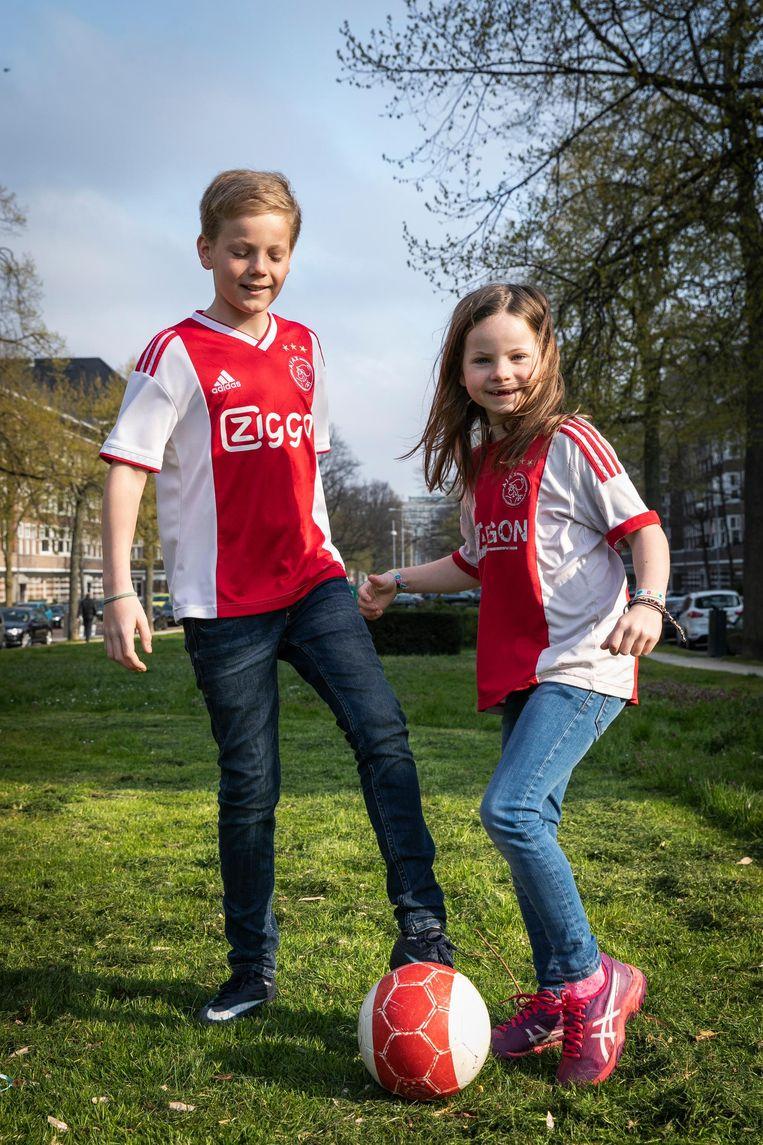 Juliette (7) en Viktor Swagerman (12) Beeld Dingena Mol