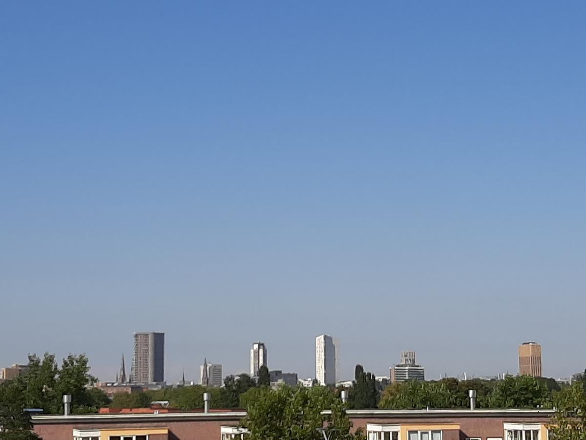 Skyline van Eindhoven vanaf de rondweg in Tongelre. Met onder meer de Vestedatoren, de Regent, de Admirant, de Groene Toren en The Student Hotel.