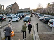 Wat er ook gebeurt: het Raadhuisplein in Huissen wordt groener