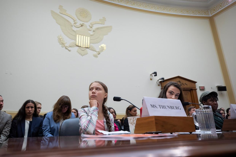 Greta Thunberg gaf woensdag tijdens haar bezoek het Amerikaanse Congres in Washington een duidelijke boodschap mee: 'Luister naar de wetenschappers.'  Beeld Erik S. Lesser / EPA