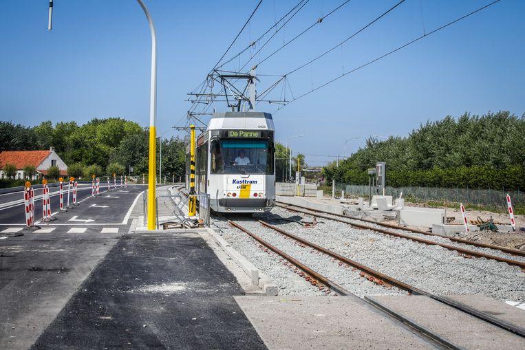 De tram rijdt voortaan langs de N34 Kustweg