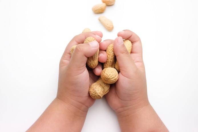 Kinderen met eczeem hebben een verhoogd risico op voedselallergie, bijvoorbeeld voor pinda's.
