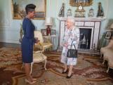 Waarom de Queen het portret van prins Harry en Meghan liet weghalen