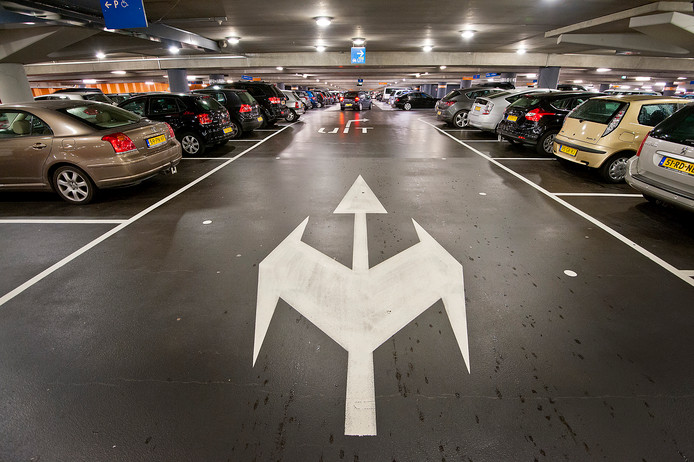 Het Thorax Centrum Twente haalt en brengt patiënten. Die hoeven straks niet meer lang en duur te parkeren.