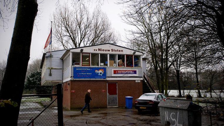 Voetbalclub Nieuw Sloten de ochtend nadat leden van een jeugdelftal een grensrechter hebben mishandeld in tijdens een wedstrijd in Almere. Beeld ANP