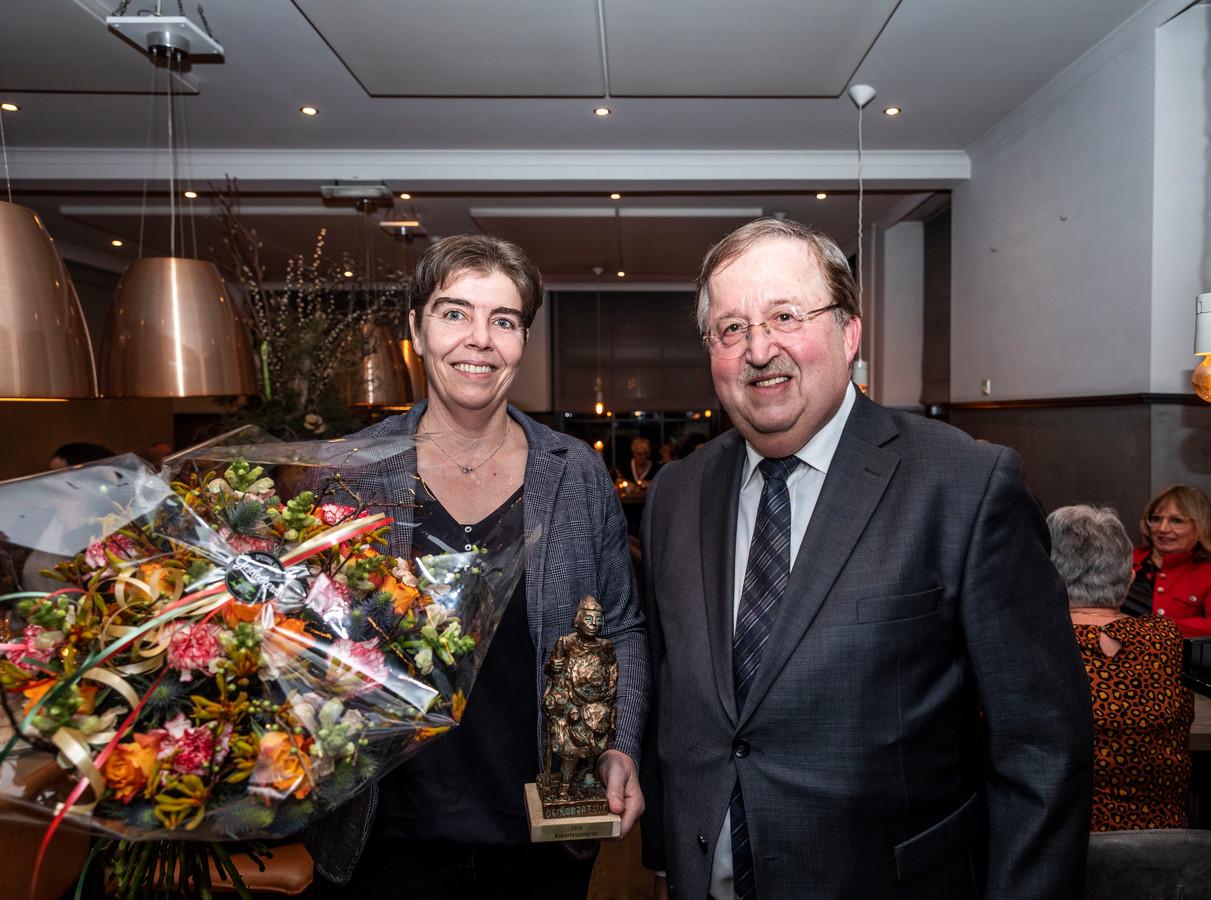 De Winnares van de Koperteutenprijs 2020 in Luyksgestel is Monique Loomans.