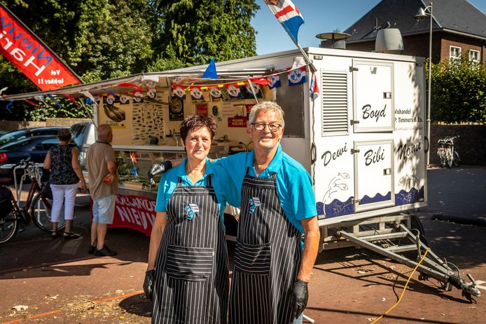 Peter en Thea Timmers stoppen na 50 jaar met hun viskraam op de markt in Reusel.