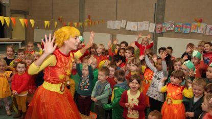 Kaatje van Ketnet viert haar verjaardag op Sint-Vincentiusschool