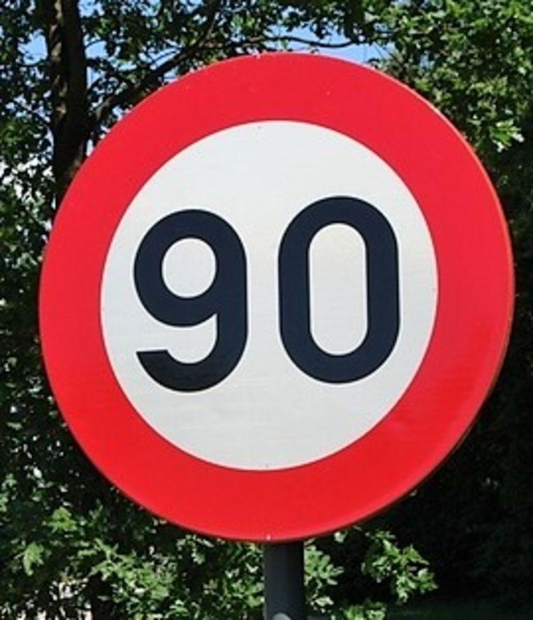 Op de R8 mag je straks niet meer dan 90 per uur rijden