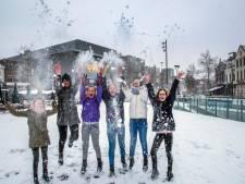 Sneeuw kleurt Tilburg wit: sneeuwpret, maar ook valpartijen