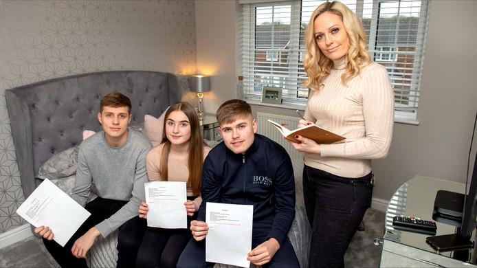 Katrina Neathey et ses 3 enfants: Hayden, Joshua et Olivia, âgés respectivement de 19, 18 et 13 ans.